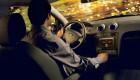 водитель управляет автоомбилем форд фьюжен