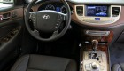 водительское место и органы управления автомобилем Hyundai Genesis