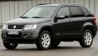 Вид сбоку и спереди на Suzuki Grand  Vitara