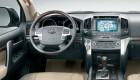 Рулевое управление Toyota Land Cruiser 200 удобно как и управление мультимедийным центром