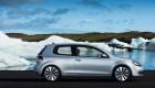Volkswagen Golf рядом с ледником