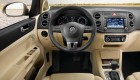 интерьер и рулевое колесо Volkswagen  Golf Plus