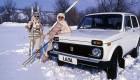 и в снег и в град и по кущерям ВАЗ-2121 везет