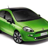 Зеленый пятидверный Фиат Пунто