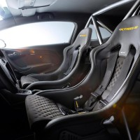 Opel Astra Extreme компонуется спортивными сидениями, которые были разработаны специально для этой модели