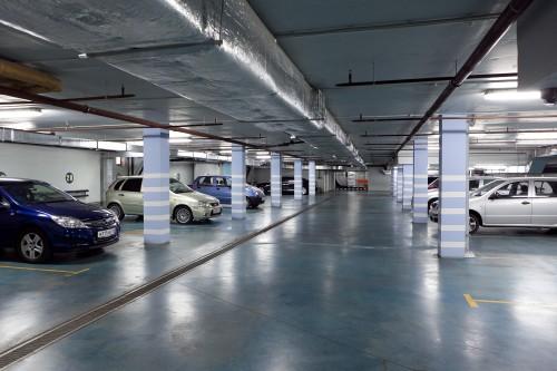 Современный подземный паркинг
