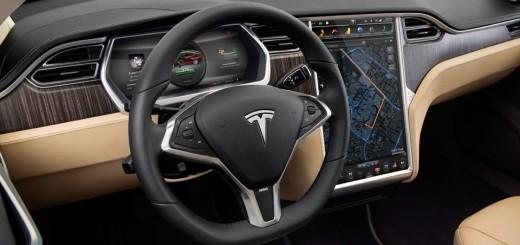Интерьер седана Tesla Model S