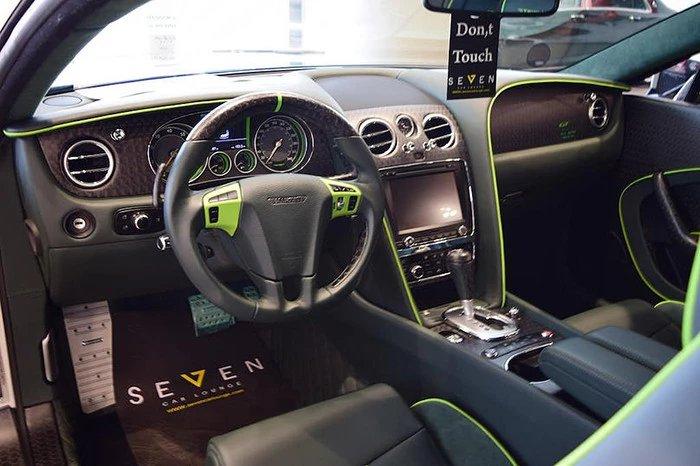 Интерьер купе Continental GT Race фирмы Bentley после доработки