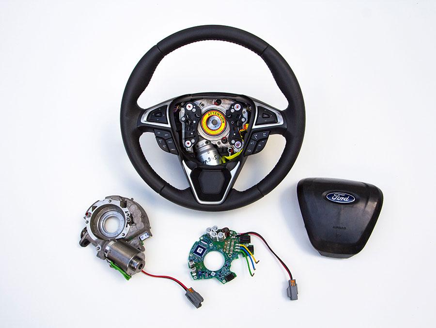 Рулевое колесо Ford с функцией Adaptive Steering
