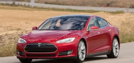 Седан Tesla S – 2015