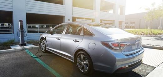 Hyundai Sonata Hybrid – 2015