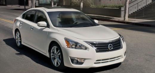 Седан Nissan Altima – 2014