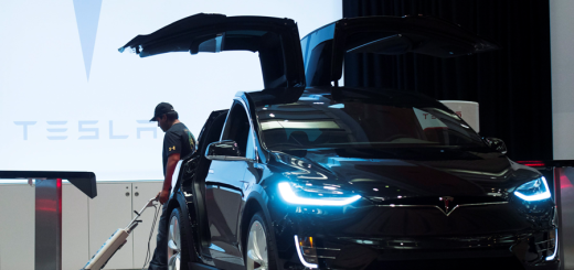 Tesla Model X, электрический кроссовер, 2016-й год