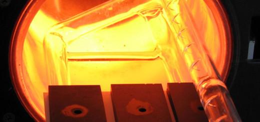 Топливный элемент с электродом из стали