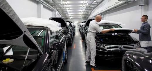 Выпуск седанов Phaeton, линия на заводе Volkswagen