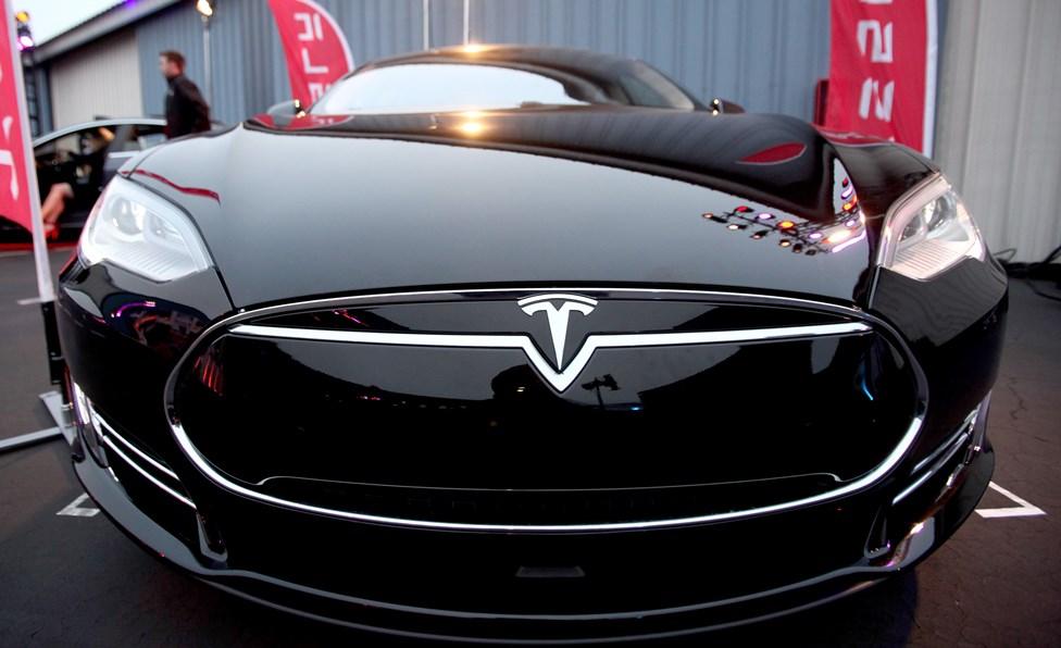 Продукция Tesla, Китай, 2016 год