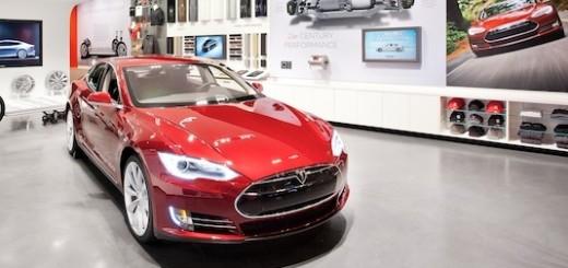 Автосалон Tesla Motors