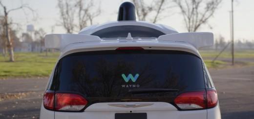 Автономный транспорт Waymo